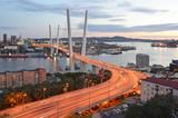 Владивосток, мост через бухту Золотой рог осенним вечером