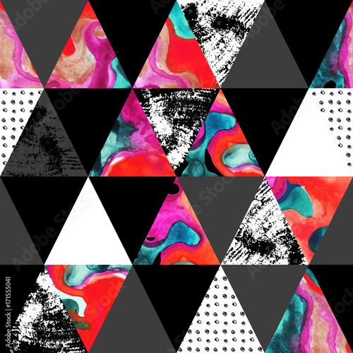 triangle seamless pattern with grunge and watercolor textures. - 171555041