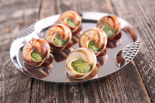 french dish,bourgogne escargot - 171580038
