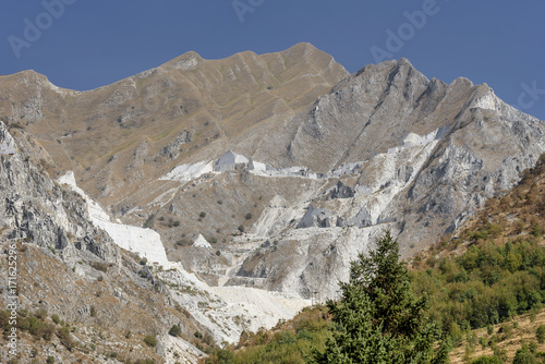 Aluminium Grijs The Apuan Alps from Colonnata, Carrara, Tuscany, Italy