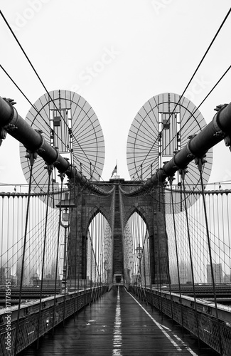 Brooklyn bridge of New York City, USA - 171785451