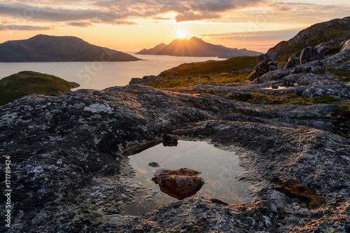 Papiers peints Marron chocolat Beautiful sunset at the coast of Norway