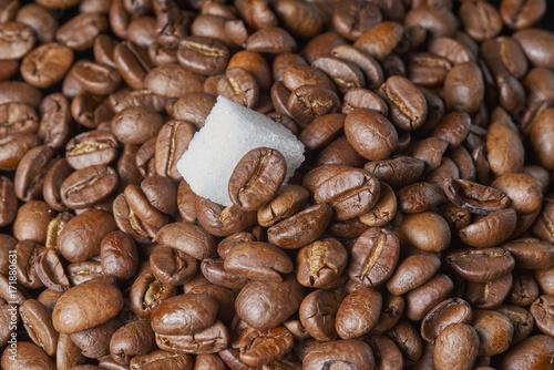 Fotobehang Koffiebonen coffee beans and sugar