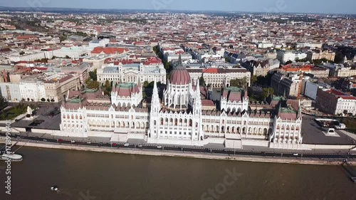 Obraz na płótnie Aerial footage of The Hungarian Parliament building in Budapest, Hungary on a beautiful summer's day.