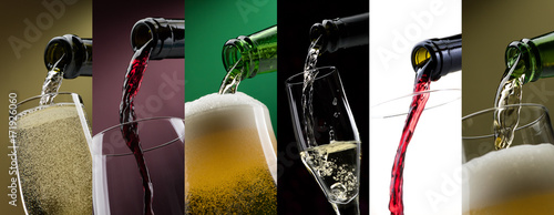 Poster Pouring alcoholic drinks in glasses photo collage