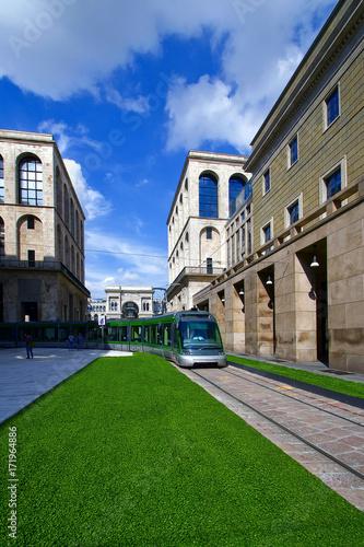 Milano con Tram e Palazzo dell'Arengario con Galleria Vittorio Emanuele Lombardi