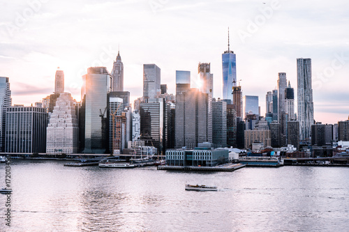Poster Chicago New York City Skyline at Sunset