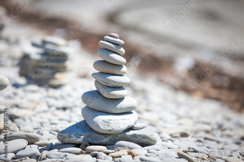 Poster Stenen in het Zand stone stack on beach