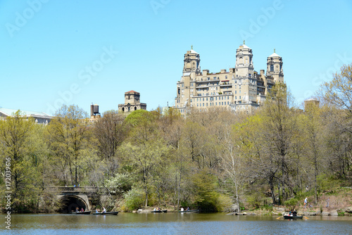 Central Park The Pond mit Hochhäusern Poster