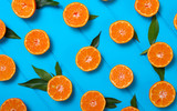 tangerines with green leaves - 172167242