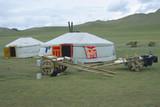 Jurtensiedlung im Tal des Ider-Gol, Mongolei - 172192271