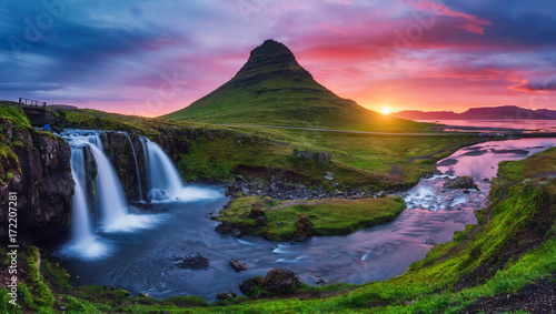 Majestic sunrise with Kirkjufell volcano the coast of Snaefellsnes peninsula. Location place Kirkjufellsfoss waterfall, Iceland, Europe. - 172207281