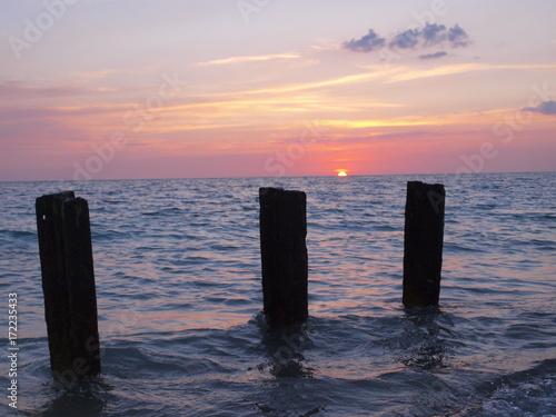 Foto op Plexiglas Zee zonsondergang Atardecer de verano Playa Ancón, Trinidad, Cuba