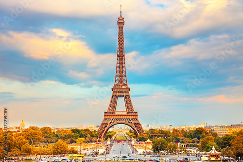 Foto op Canvas Eiffeltoren Eiffel Tower at autumn sunny evening, Paris