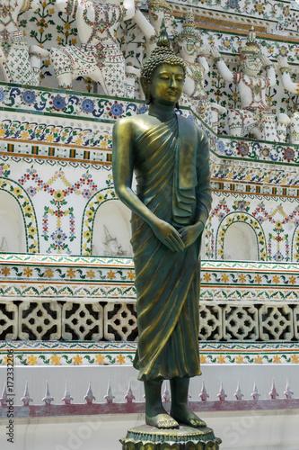 Foto op Canvas Boeddha Buddha Statue im Wat Arun Tempel in Bangkok