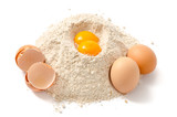 Weizenvollkornmehl und Eier - 172344013