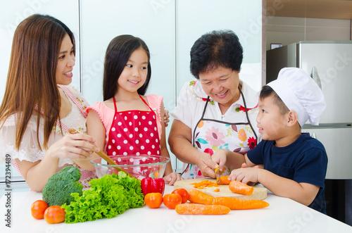 Poster Kitchen lifestyle of asian family