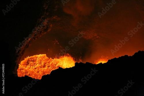 Foto op Plexiglas Bruin Masaya active volcano lava lake Nicaragua