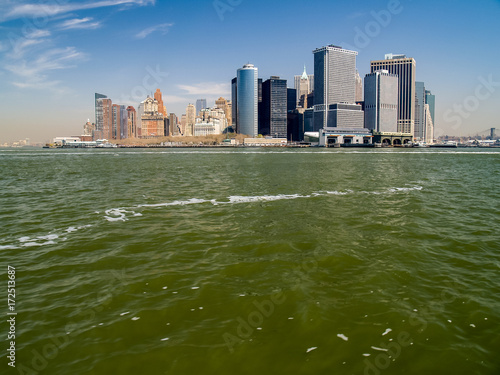 Tuinposter New York Lower Manhattan Island from New York Bay
