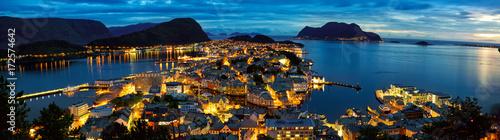 Foto op Aluminium Panoramafoto s Panorama of Alesund at dusk, Norway