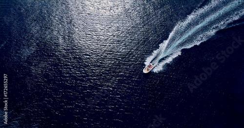 sillage de bateaux en mer, espagne