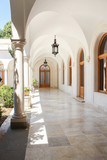 White gallery of the courtyard. - 172659473