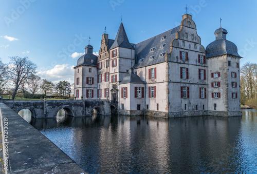 Fotobehang Brugge Wasserschloß in Dortmund