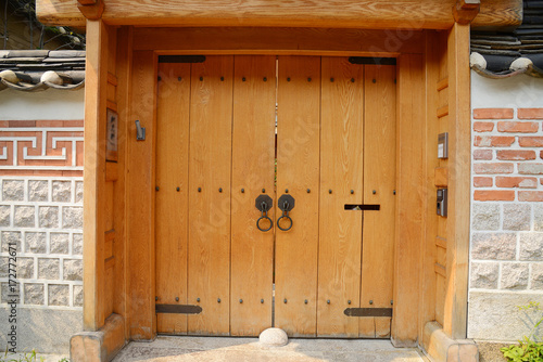 Foto op Canvas Seoel wooden gate