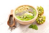 smoothie bowl - 172809073