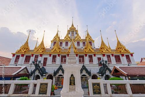 Aluminium Thailand Golden pagoda in Wat Ratcha Nadda Temple