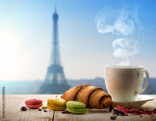 Fridge magnet Breakfast in Paris
