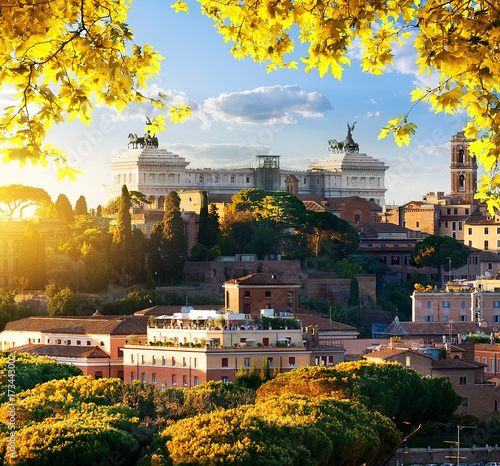 Foto op Aluminium Rome Vittoriano in the autumn