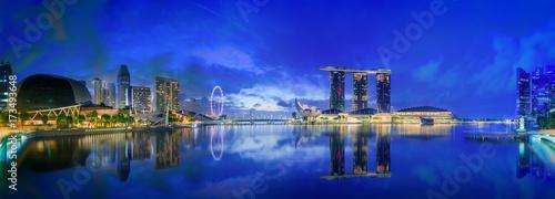 Papiers peints Bleu fonce Singapore skyline background