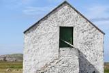 Mały kamienny domek