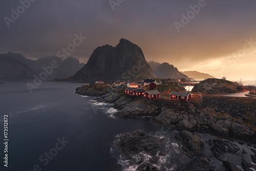 In de dag Ochtendgloren Sunrise in the fjiords