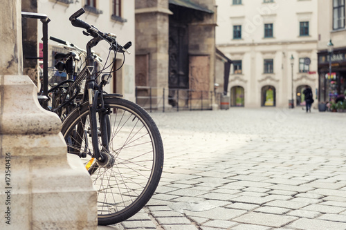 Spoed canvasdoek 2cm dik Fiets close up photo of bicycle in old european town. Vienna, Austria