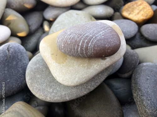 Poster Stenen in het Zand background, beach, wallpaper, stone, pebble, texture, natural, colorful, abstract, sea, pattern, nature, smooth, photo, color, closeup, surface, shape, pebbles, rock, material, gravel, black, decorati