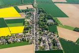 Ortschaft Grouven, NRW, mit der alten Römerstrasse, die durch den heutigen Braunkohletagebau Hambach nach Aachen führte - 173750884
