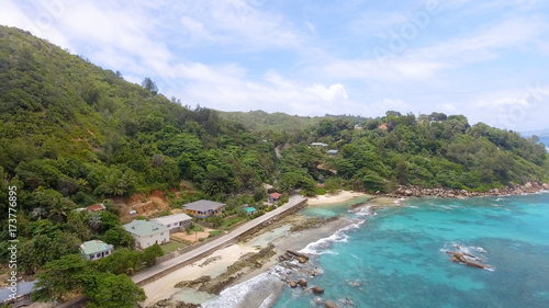Tuinposter Tropical strand Beautiful coastline of Seychelles