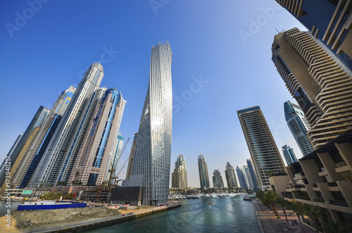 In de dag Dubai Tall Dubai Marina skyscrapers in UAE