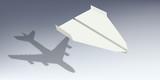 avion - origami - symbole - ombre - avion de ligne -succès - réussite - start-up - concept - 173965470