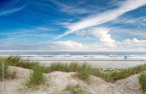 Fotobehang Noordzee Nordsee, Strand auf Langenoog: Dünen, Meer, Entspannung, Ruhe, Erholung, Ferien, Urlaub, Meditation :)