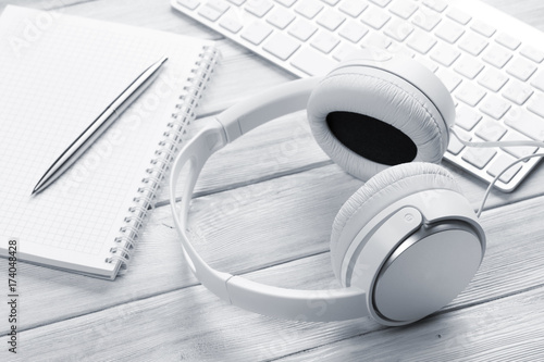 Headphones, notepad and pc - 174048428