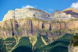 Pirineos Aragoneses en la falda del Monte Perdido dede el pueblo de Torla