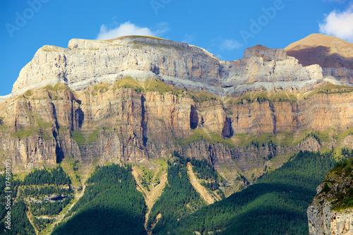 Pirineos Aragoneses en la falda del Monte Perdido dede el pueblo de Torla Poster