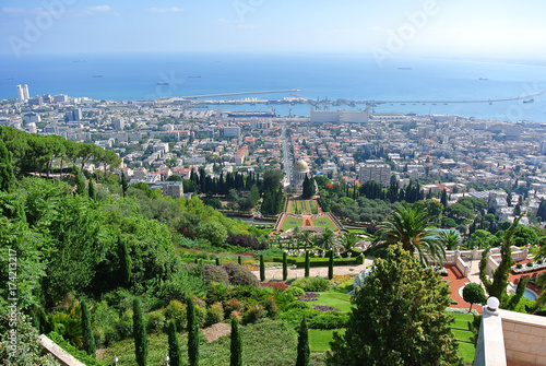 Foto op Canvas Parijs Panorama of Haifa and view of the Bahai Gardens and the Bahai Temple. Israel