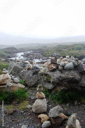 Papiers peints Gris Cairn Skye island Sligachan