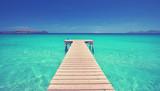 einsamer Steg am Meer - 174494445