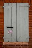 La boite à lettres dans les rues d'Albi - 174571097