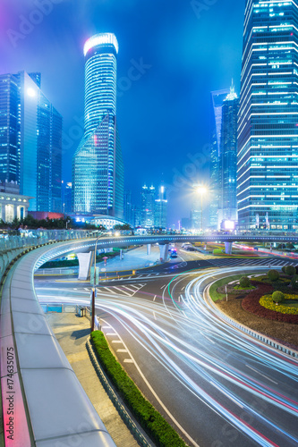 Poster Nacht snelweg urban traffic in downtown shanghai,china,asia.